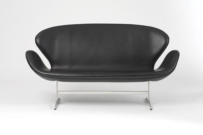 Swan Sofa By Arne Jacobsen