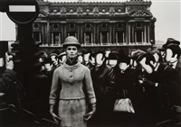 opéra + visages blancs. paris (vogue) by william klein