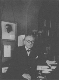 generalmuseumsdirektor leo blech in seinem arbeitszimmer by ellen auerbach