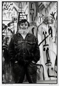 lebensgrosses foto von a. r. penck (from face to face, sieben museumausstellungen) by vera isler