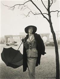 wenda parkinson, hyde park corner, vogue, 1951 by norman parkinson