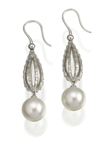 pair of earrings by autore co