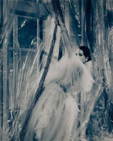christie turlington en chanel haute couture by karl lagerfeld