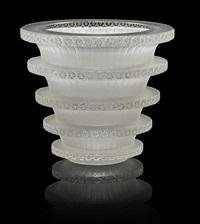 vase: chevreuse by rené lalique