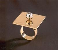 anello pointedness by yoko ono