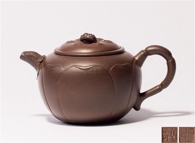莲子蜜蜂壶 a zisha teapot by pei shimin