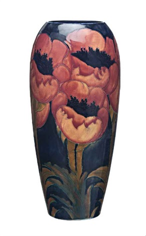 A Big Poppy Vase With A Bold Pattern Of Big Poppies On A Mottled