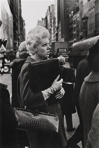 5th avenue, new york city by larry fink