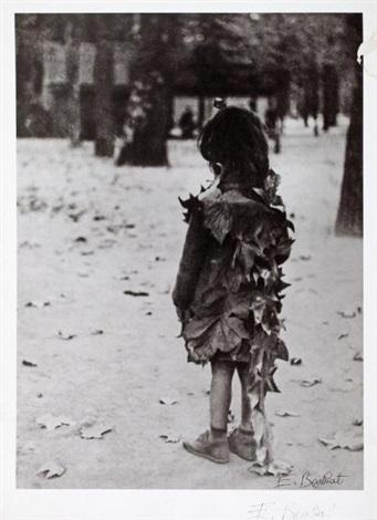 petite fille aux feuilles mortes jardin du luxembourg paris by edouard boubat