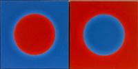 oranssi ympyrä sinisellä (+ sininen ympyrä oranssilla; 2 works) by risto heikinheimo