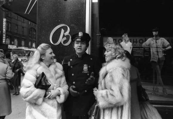 femmes de manhattan new york by francis apesteguy
