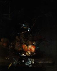 früchtestilleben mit vogel und schmetterling by catharina treu