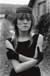 tiny in her halloween costume, seattle, washington by mary ellen mark
