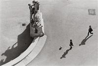 einer der rossebändiger auf der südseite des belvedere by christine de grancy