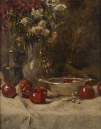 composition au vase fleuri et aux pommes by hermann courtens