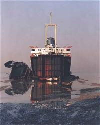 shipbreaking #31, chittagong, bangladesh by edward burtynsky