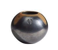 San Ildefonso Two-Tone Black and Sienna Bowl