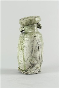 an iga style flower vase by tsujimura yui
