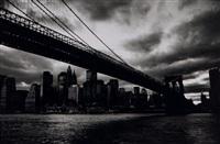 brooklyn bridge, soir d'orage, new york by michel ginies
