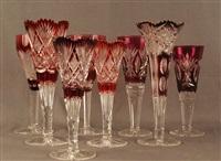 lot se composant de quatre verres et quatre vases sur piédouche en cristal clair doublé, majoritairement rubis, (set of 8) by val saint-lambert
