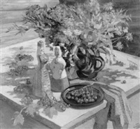 stilleben mit puppen, blumenstrauss und beeren by ekatarina antropova