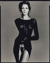 stephanie seymour, model, robe by comme des garçons, nyc, may 9 by richard avedon