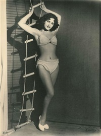 dalida lors du concours miss bathing beauty, le caire by angelo