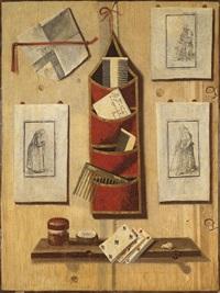 trompe l'oeil avec des peignes, des gravures et des cartes à jouer by andrea domenico remps