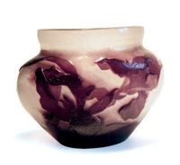 clématites vase de forme pansue by émile gallé