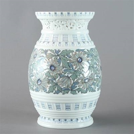 vase by effie hegermann lindencrone