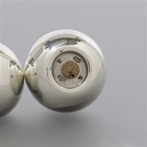 salt and pepper shakers from the sas royal hotel by arne jacobsen