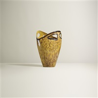 vase by accolay