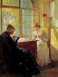 interior med bedstemor og ung pige, der broderer ved det åbenstående vindue by max arenz