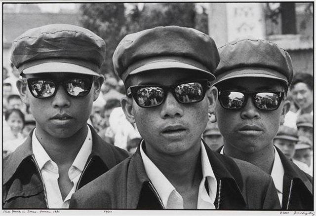 three youths in siamo yunnan by liu heung shing
