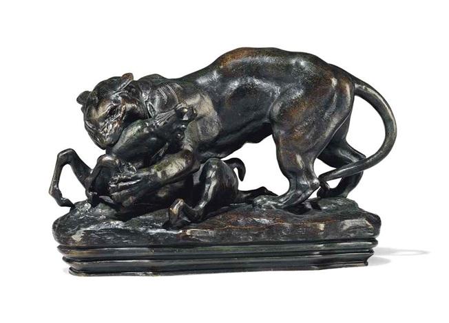 tigre suprenant une antelope terrasse avec profil by antoine louis barye