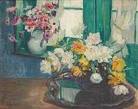 compositions florales devant une fenêtre by hubert glansdorff