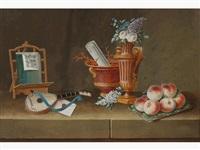 cartes à jouer, porte - monnaie, bouteilles, tourte fleurie, bouquet de fleurs dans un vase de sèvres, pain couteau et serviette by lelong