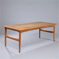 dining table by harbo solvsteen