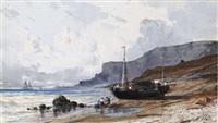 une baie avec des pêcheurs au premier plan, le bateau échoué sur la plage by henri place
