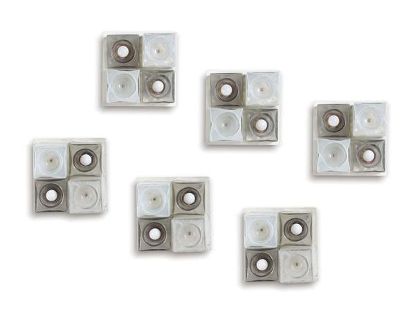 Sei appliques con struttura in metallo ed elementi diffusori in