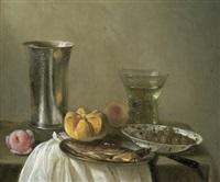stillleben mit silbernem becher, gefülltem weinglas, hering, semmel und oliven in einer porzellanschale by cornelis cruys