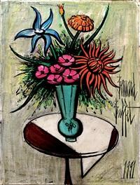 vase de fleurs sur un guéridon by bernard buffet
