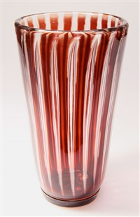 vase ariel by edvin öhrström