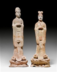 zwei beamte aus terracotta (pair) by anonymous-chinese (tang dynasty)