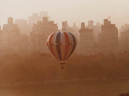 balloon over sheep meadow, nyc by ruth orkin
