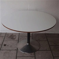 table haute by jules wabbes