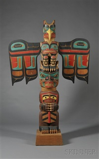 totem pole by tony hunt