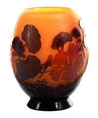 vase mit kapuzinerkressedekor by émile gallé