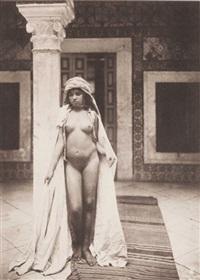 afrique du nord. jeune fille à la colonne by lehnert & landrock