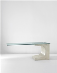 dining table by oscar niemeyer